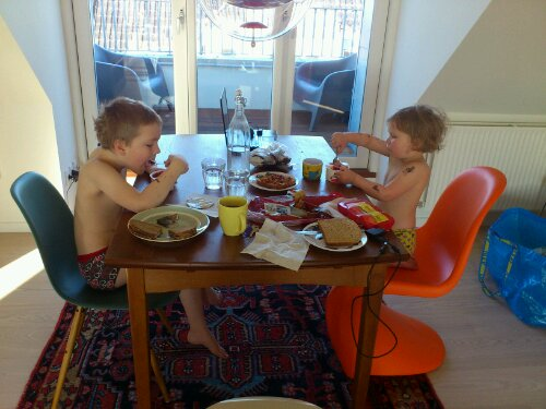 Frukost i lägenheten